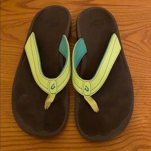 Olu Kai flip flops size 9 bright green